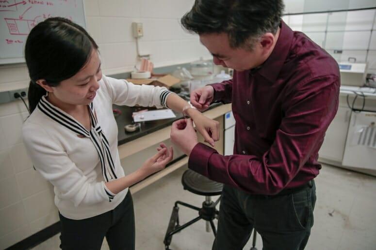 Xudong Yin at work